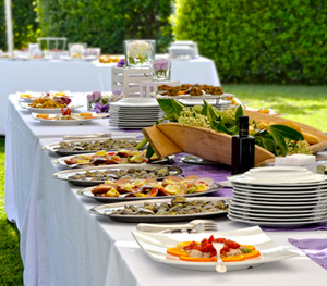 outdoor-birthday-party-food