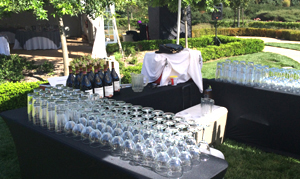 outdoor-bar-wedding-event